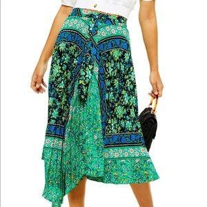 NWT Topshop Pleated Midi Skirt